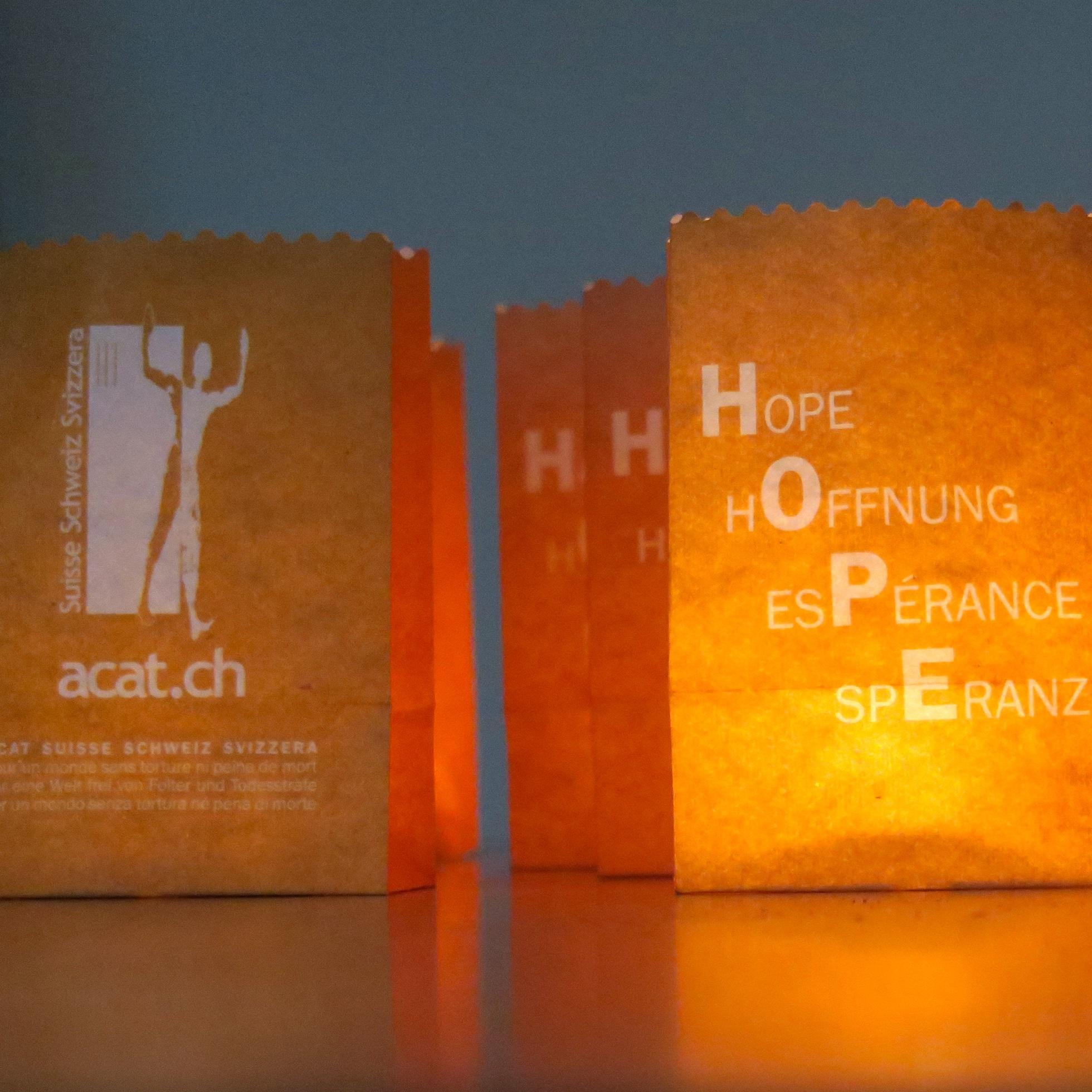 Lanternes orange carré